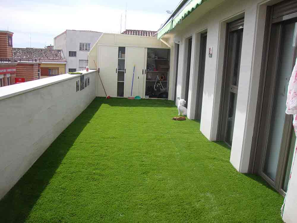 Cesped artificial supreme plus modelo con base de poliuretano - Cesped artificial terraza ...